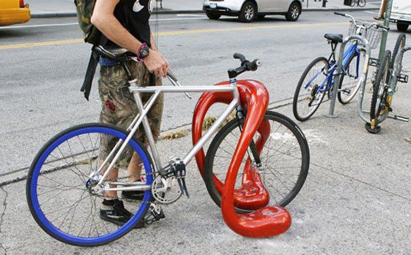 alien_bike_rack_04