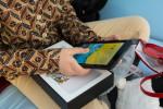 utok doneaza tablete copiilor bolnavi de cancer (3)