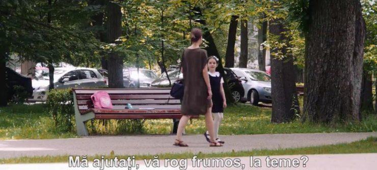 cum ai reactiona daca te-ar-ruga-un-copil din parc sa-l ajuti la teme