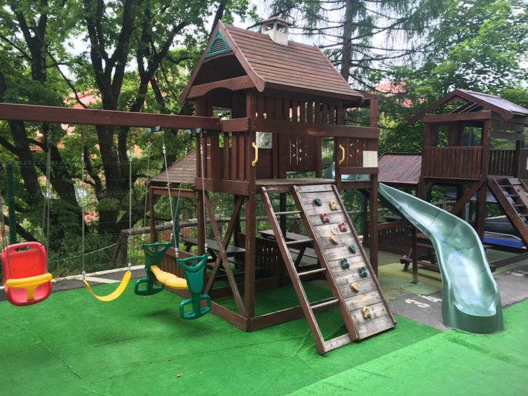 loc de joaca pentru copii - hotel alpin poiana brasov
