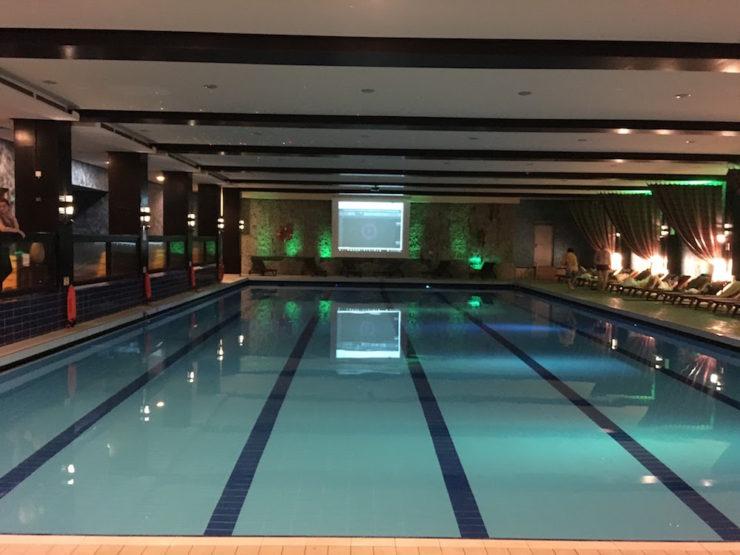 piscina hotel alpin poiana brasov